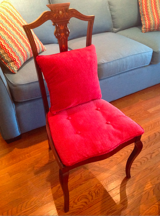 Antique lady's chair, Niagara